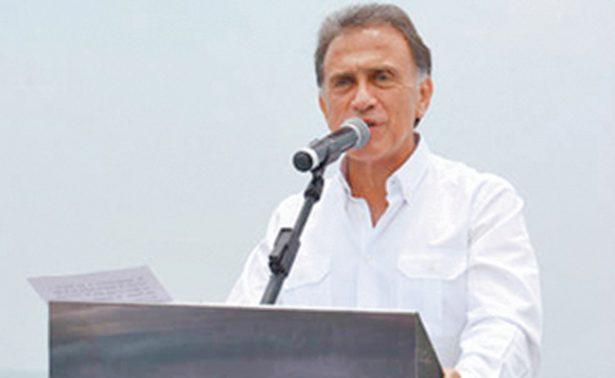 Yunes presenta terna para elegir fiscal general estatal