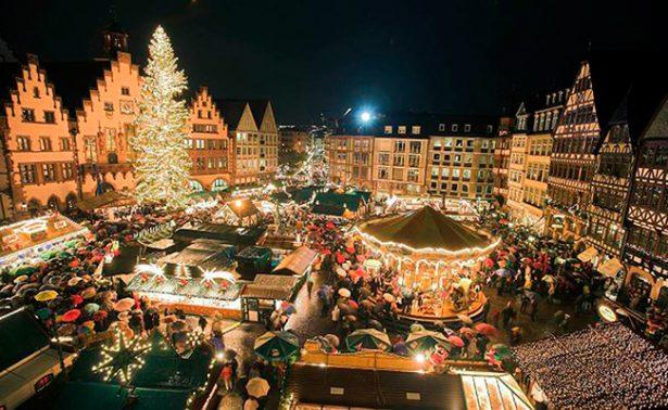 Calles francesas se  visten de color navideño