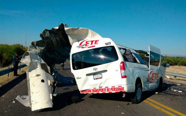 Terrible choque en carretera de Aguascalientes deja dos muertos