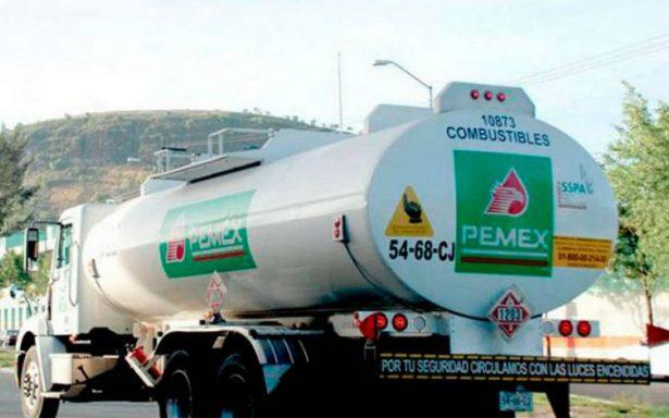 Suspenden a ocho servidores públicos de Pemex por robo de hidrocarburos
