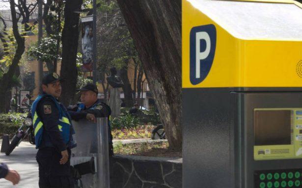 Vecinos de Azcapotzalco se manifiestan contra parquímetros
