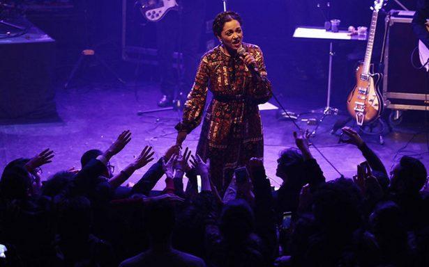 Natalia Lafourcade conquista París en la 'cicatrizada' sala Bataclán