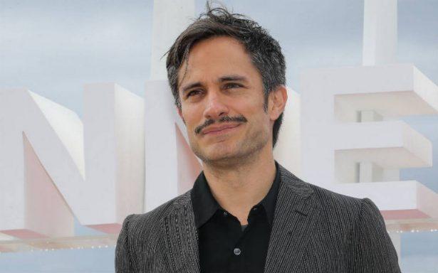 """Gael García Bernal se luce en Cannes con su serie """"Aquí en la tierra"""""""