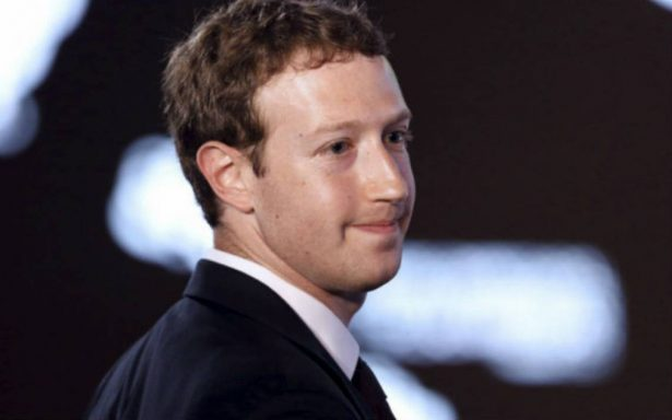 Zuckerberg asegura que aún es la persona adecuada para dirigir Facebook
