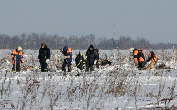 Avión siniestrado en Moscú explotó tras chocar con la tierra