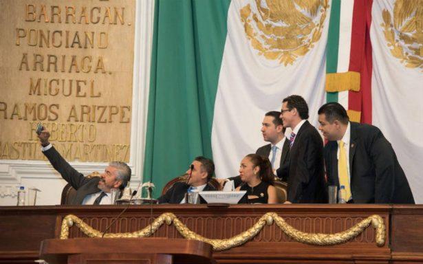 Exigen a la ALDF dictaminación y discusión de leyes y nombramientos