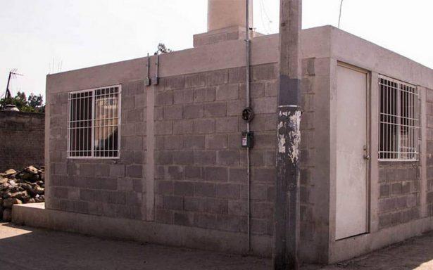 Mancera muestra viviendas reconstruidas en San Gregorio