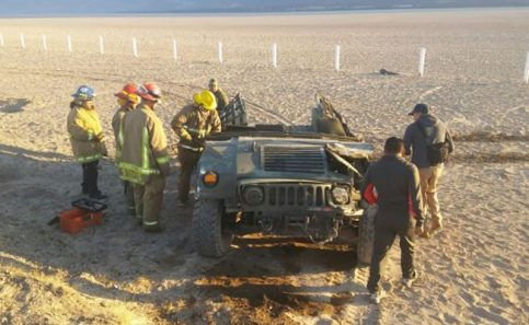 Volcadura de vehículo militar deja 2 soldados muertos