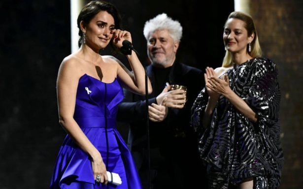 Penélope Cruz apoya #MeToo en premios franceses