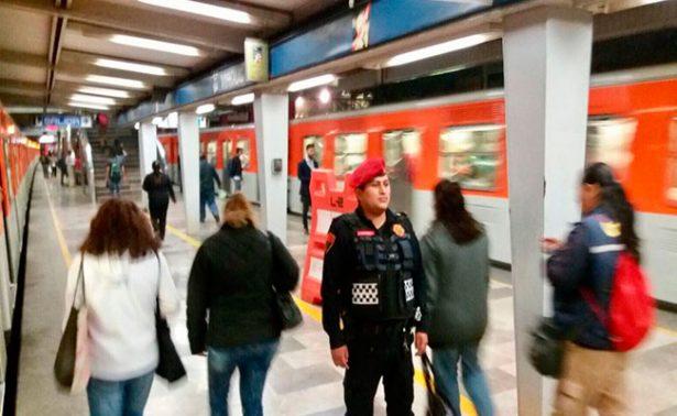 Realizan operativo en estaciones del Metro Hidalgo, Pino Suárez y Pantitlán