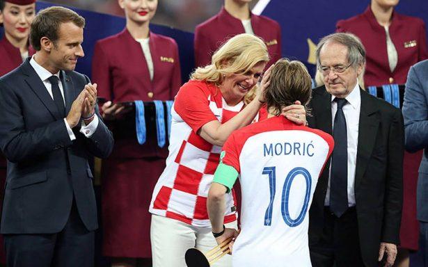 La presidenta de Croacia, la aficionada número uno de su selección