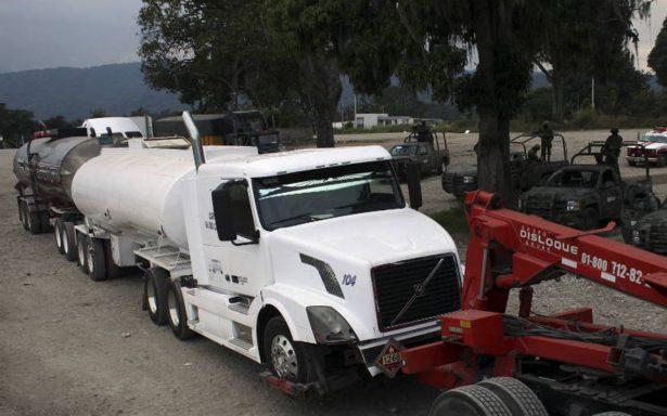 PGR asegura 32 mil litros de hidrocarburo en Cárdenas