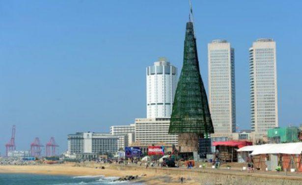 Sri Lanka afirma que ha construido el árbol de Navidad más alto del mundo