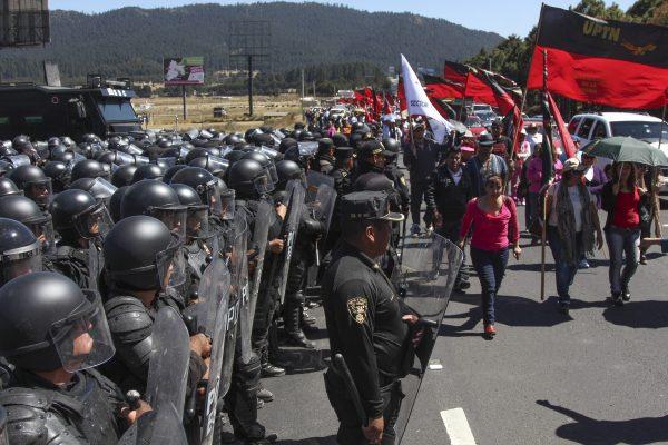 Avalan uso de fuerza en manifestaciones del Edomex