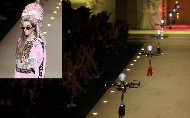 Drones y barroquismo pop: los colores de D&G deslumbran en Milán