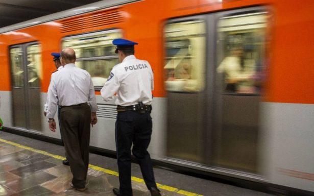 Viajan policías encubiertos en transporte público