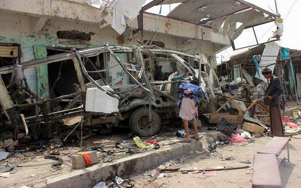 Mueren al menos 29 niños en un ataque contra un autobús en Yemen