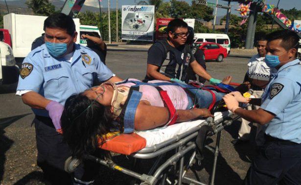 Vuelca autobús y deja al menos tres muertos en Chiapas
