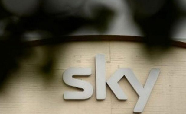 21 Century Fox llega a un acuerdo para adquirir la cadena británica Sky