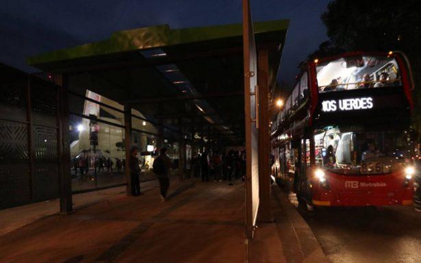 Caótico primer día para línea 7 del Metrobús