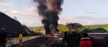 Tráiler se queda sin frenos y deja nueve lesionados en la Cuernavaca-Chilpancingo