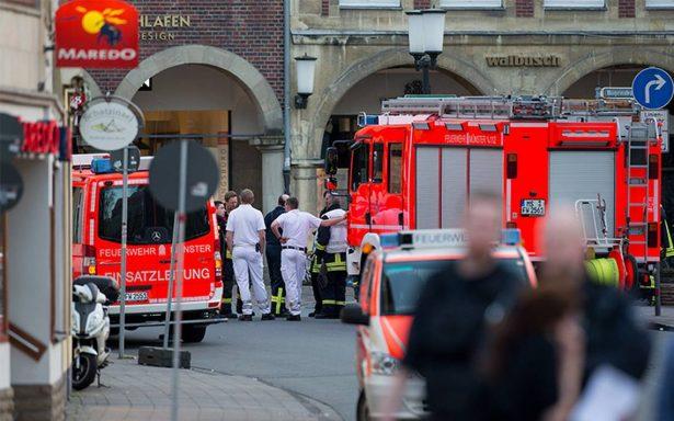 Vehículo arrolla a multitud en Alemania; deja al menos 3 muertos y 20 heridos