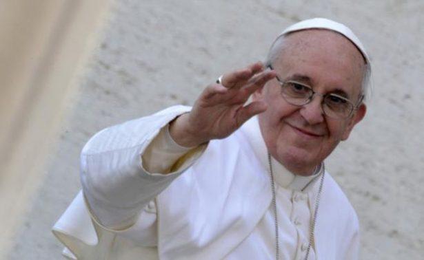 Papa convoca a Santos y Uribe a una reunión por la paz de Colombia
