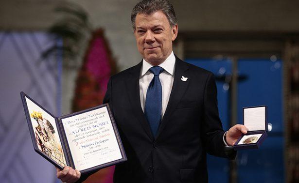 Juan Manuel Santos recibe el Nobel de la Paz; lo dedica a las víctimas