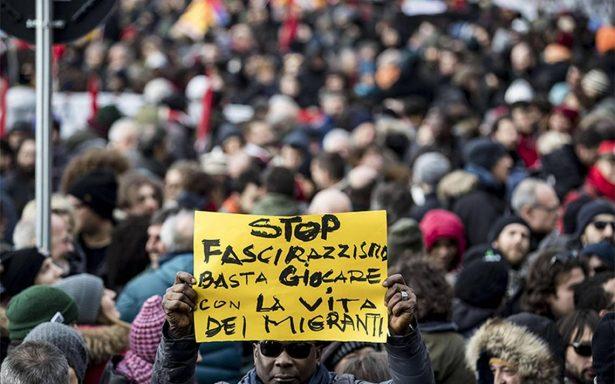 Miles de personas se manifiestan en Italia contra el fascismo y el racismo