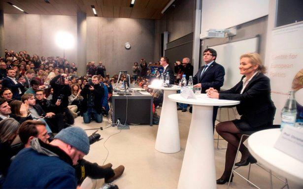 Desactivan orden de aprensión contra Carles  Puigdemont