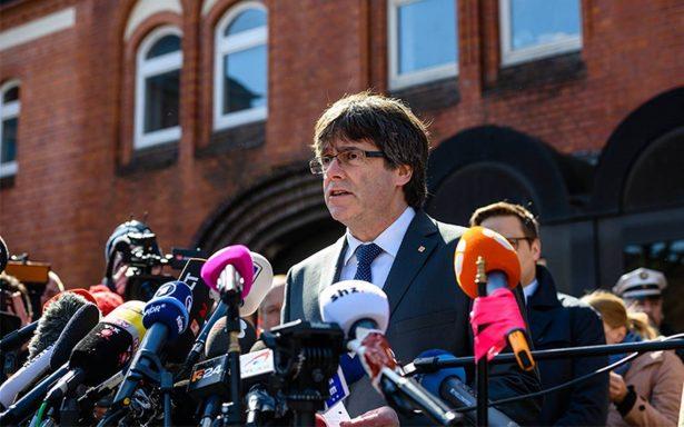 Puigdemont sale de la prisión alemana de Neumünster