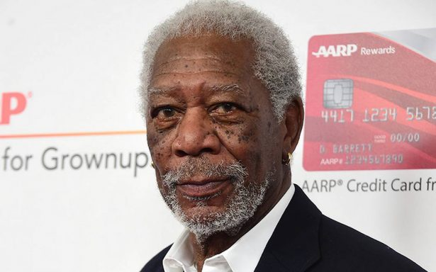 No debe compararse un piropo con abuso sexual: Morgan Freeman
