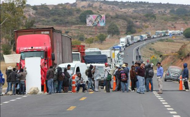 Pese a acuerdos, seguirán bloqueos en Oaxaca