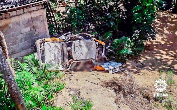 Mueren cinco personas dentro de un taxi en Acapulco tras persecución