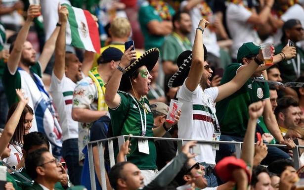 """FIFA, firme: El grito """"Eh pu**"""" le cuesta a México 200 mil pesos"""