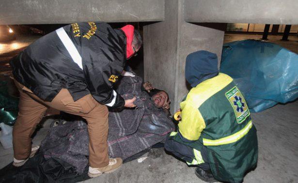 Despliegan operativo en Monterrey ante frente frío
