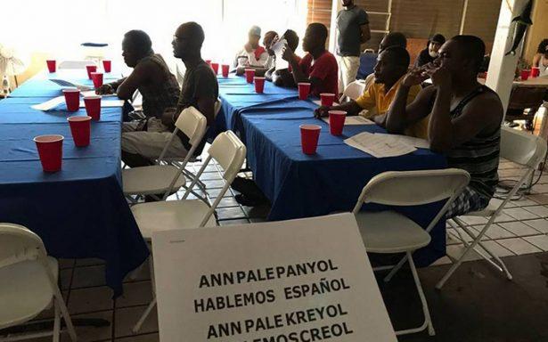 Enseñan español a haitianos