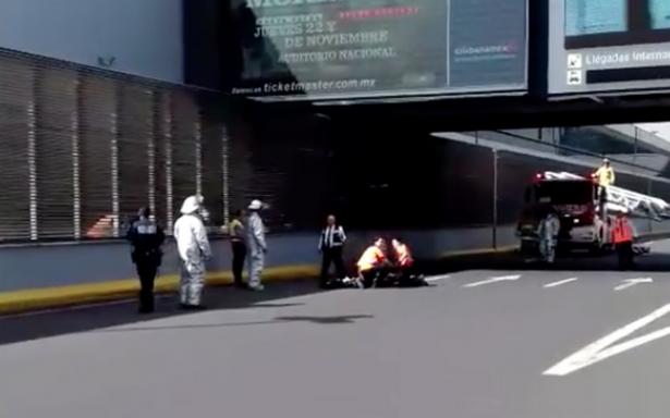 [Video] Hombre se lanza de puente en la Terminal 1 del AICM y muere