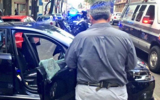Reportan asalto a automovilistas en Anaxágoras y Viaducto Miguel Alemán