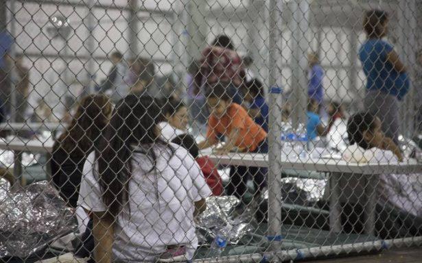 Decisión de separar a niños migrantes de sus padres puede revertirse: Videgaray
