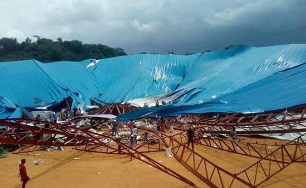 Se desploma techo de iglesia en Nigeria y deja al menos 160 muertos