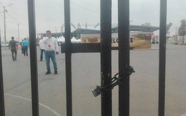 Intentan boicotear mitin de AMLO en Sonora: con candados impiden entrada al lugar