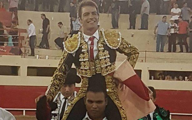 Triunfo de Mimiahuapam y Macías en la plaza de toros Alberto Balderas