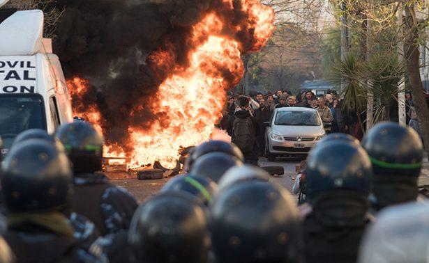 PepsiCo despide a trabajadores en Argentina; se enfrentan con policías