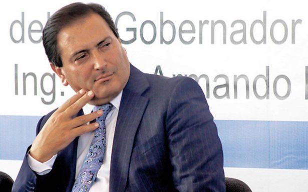 Reaparece públicamente el exgobernador Luis Armando Reynoso