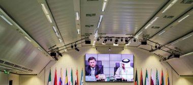 OPEP y productores de crudo acuerdan mantener recortes al bombeo hasta marzo de 2018