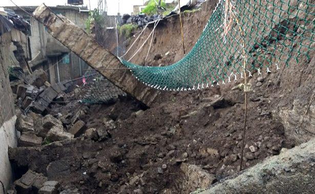 Desgajamiento del cerro La Cañada destruye casas