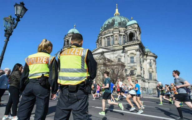 Policía evita ataque de cuchillo en medio maratón de Berlín; hay cuatro detenidos