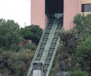 Primera piedra de teleférico capitalino, en 2017: Márquez