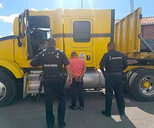 Comparecen 3 detenidos por robo de tractocamión y privación de la libertad